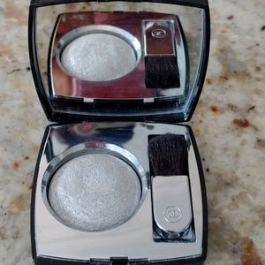 CHANEL MAKEUP HIGHLIGHT FOR FACE AND DECOLLETE